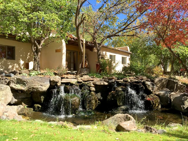 Waterfall Studio Suite #5 - - Taos - Huoneisto