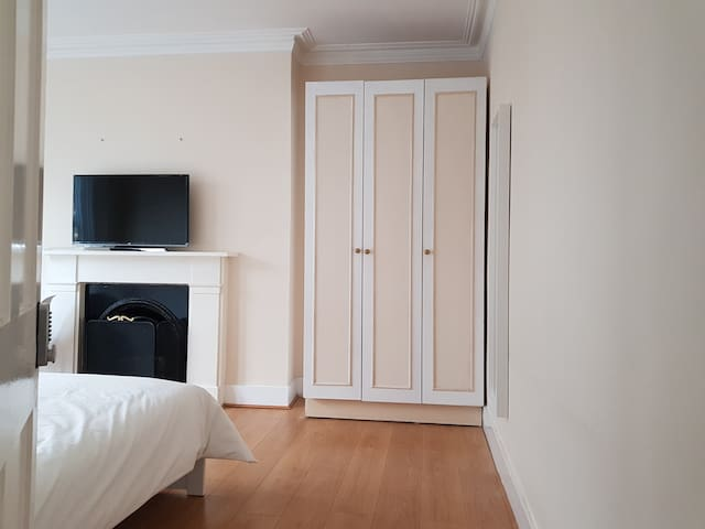 Large modern light filled double room (Room1)