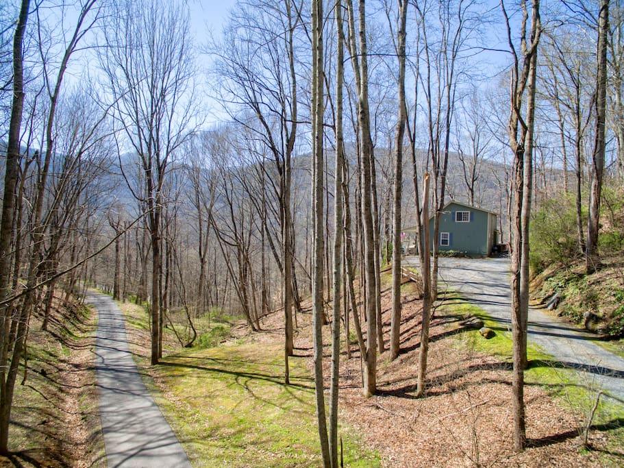 Driveway view of Creek 'n Woods III