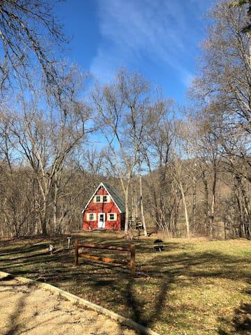 Kickapoo Cabin