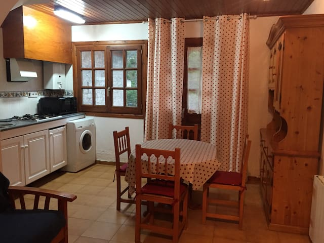 Agradable piso - Aubert - Apartamento