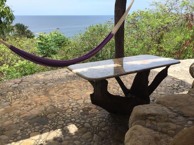 Cabin Bugambilia, seaview