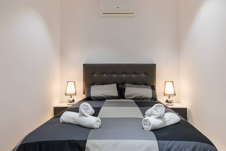 PLAZA MAYOR D- Cozy flat in the heart of Madrid