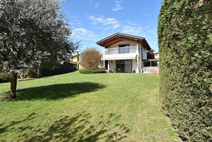 Quiet villa in Como near Lugano