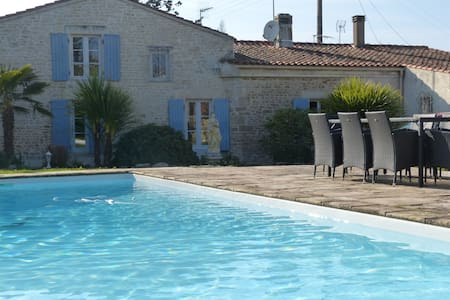 Maison de charme avec piscine - Andilly
