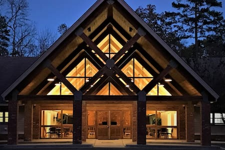 Lakeside Lodge/Large Groups