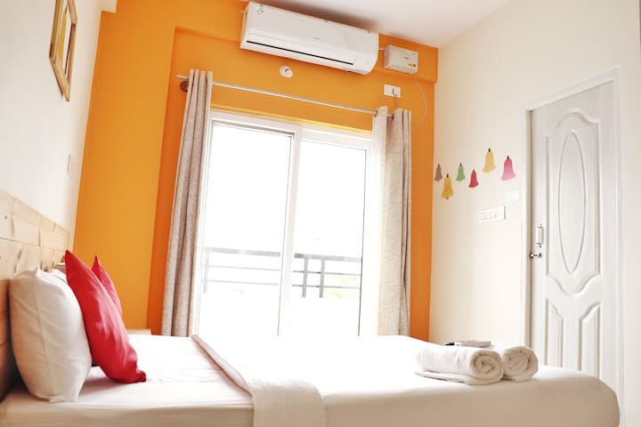 RMZ Eco World - A/c & Pvt Balcony  Guest House