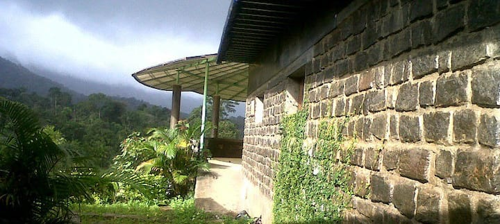 Mountain View-Coorg Blossom Home Stay