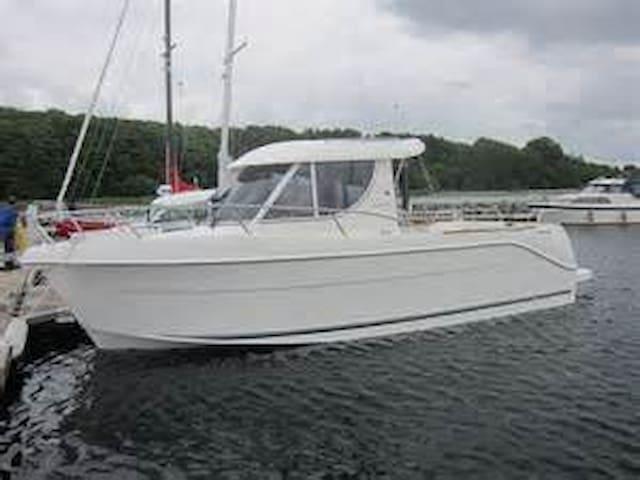 Båt i Idylliske Stavern, overnatting, fisketurer - Larvik - Boat