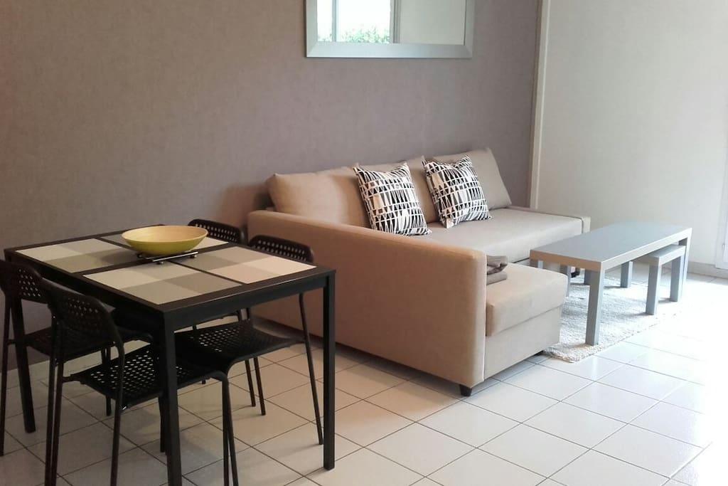 t2 meubl tout confort appartements louer cugnaux occitanie france. Black Bedroom Furniture Sets. Home Design Ideas
