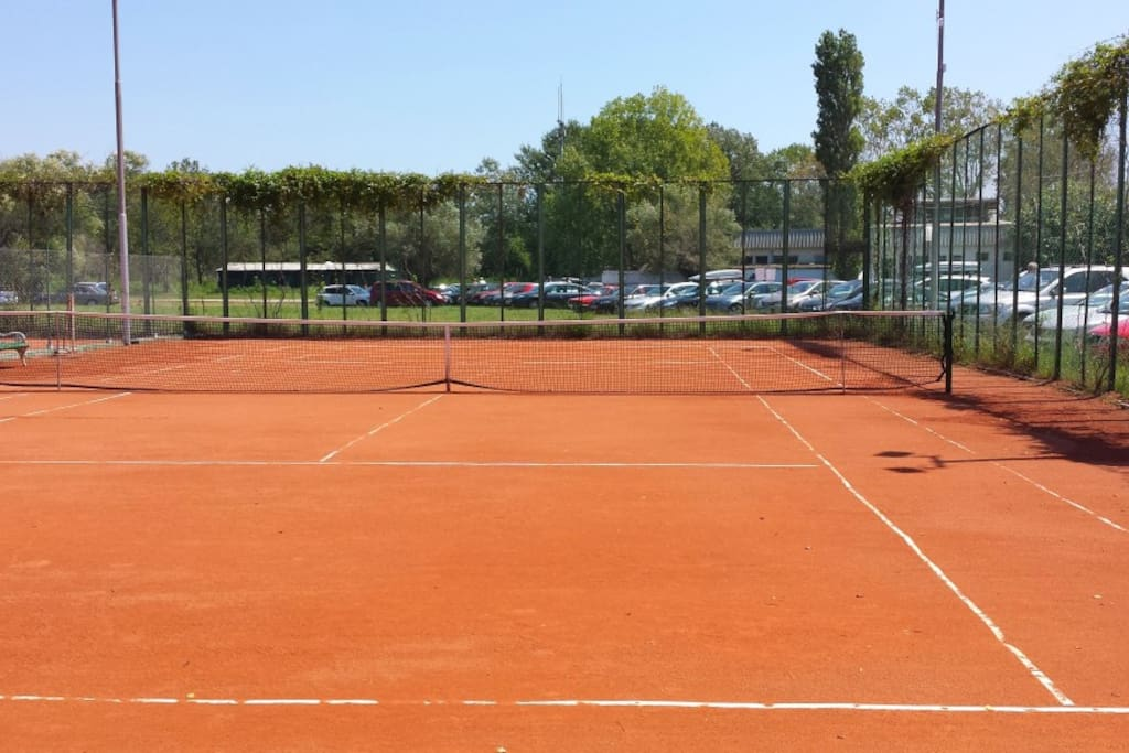 TENIS CLUB BELLVUE 80 meters from our apartment