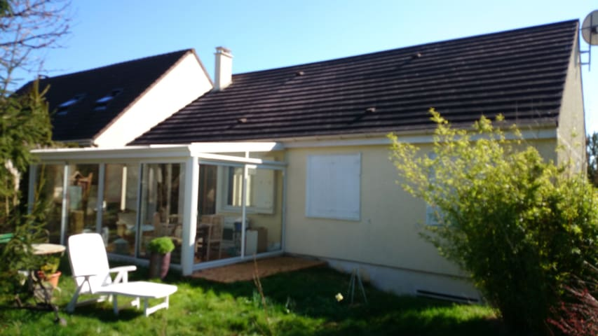 maison et veranda - Magnanville - Hus