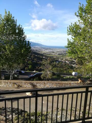 Jolie T1 Borgo village vue panoramique pas cher