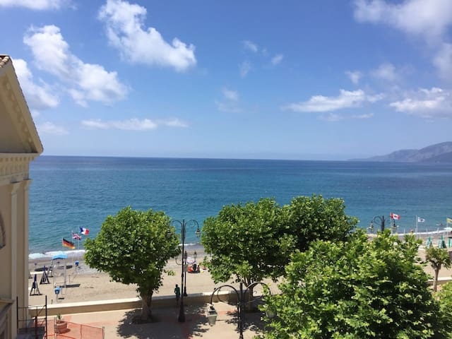 Villammare Beach Apartments Spectacular View - Villammare - Byt