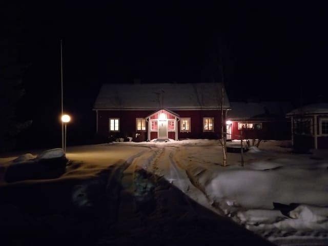 Old farmhouse. Bed&breakfast. Stay before Lappland