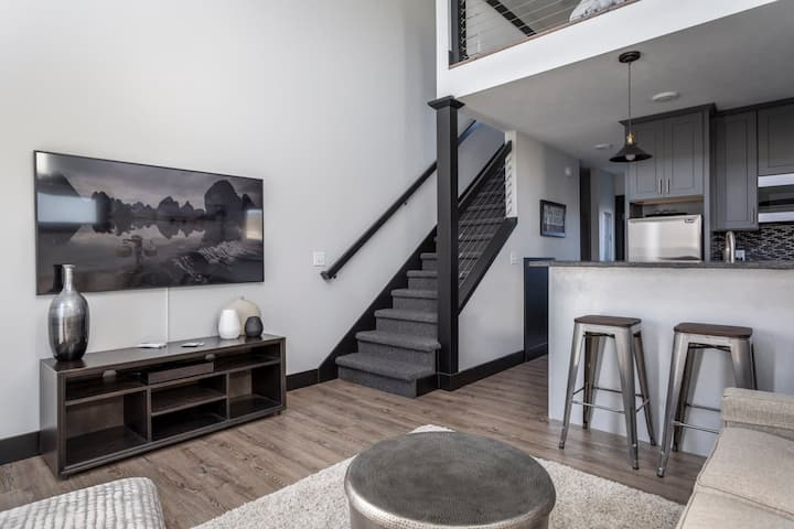 Winter Specials! Spring Break! Work Remotely at Center City Lofts - 508 Unit 3  | Close to Downtown| Sleek Accommodations| TART Trail ★★★★★