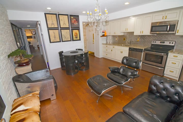 Beautiful Living room and fully loaded kitchen