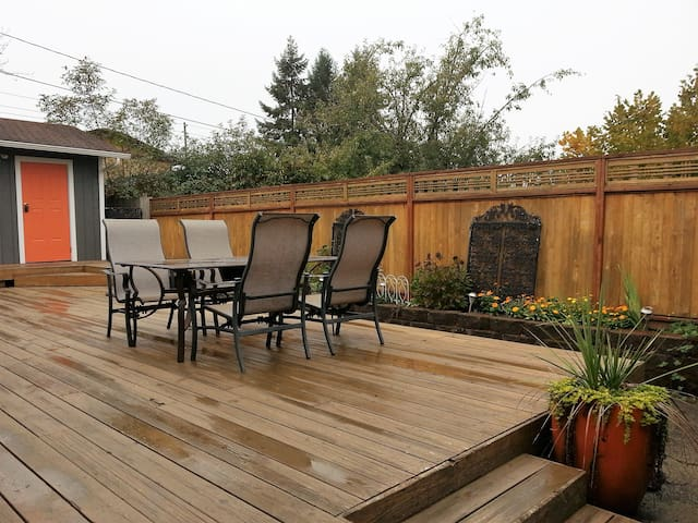 Cozy, quiet Eastside duplex unit - Olympia - Leilighet