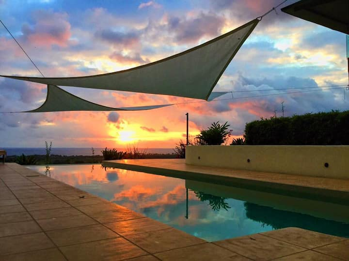 Villa with stunning Pacific view