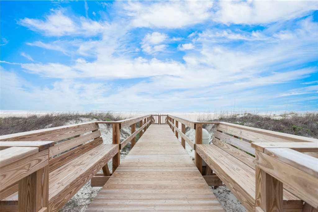 Private Access - A private walkway connects Island South to the beach—and the majestic Atlantic Ocean just beyond.