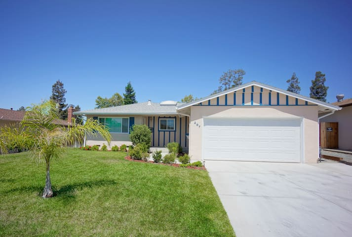 *Newly Remodeled* Cozy home @ convenient location - Fremont - Hus