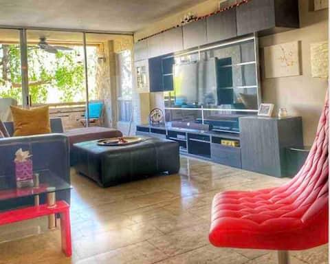 Heart of Old Town Scottsdale - Modern Luxury Condo
