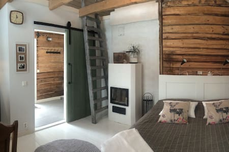 Cosy sauna cottage with a hot tub - 波爾沃(Porvoo)
