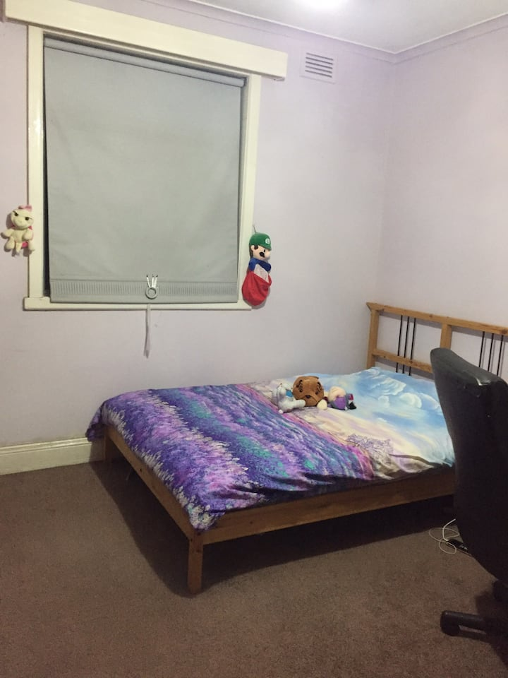 Long term rent available double bed room
