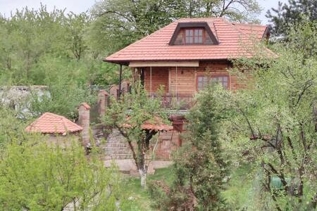 Wooden House Kasteljan