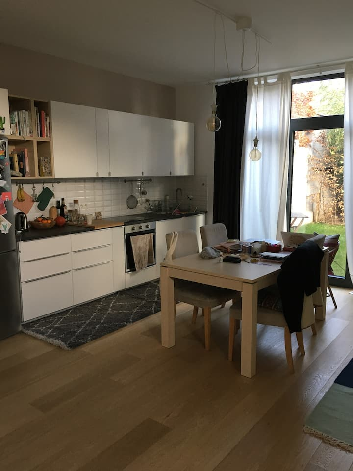 Good vibes flat in South Brussels with garden