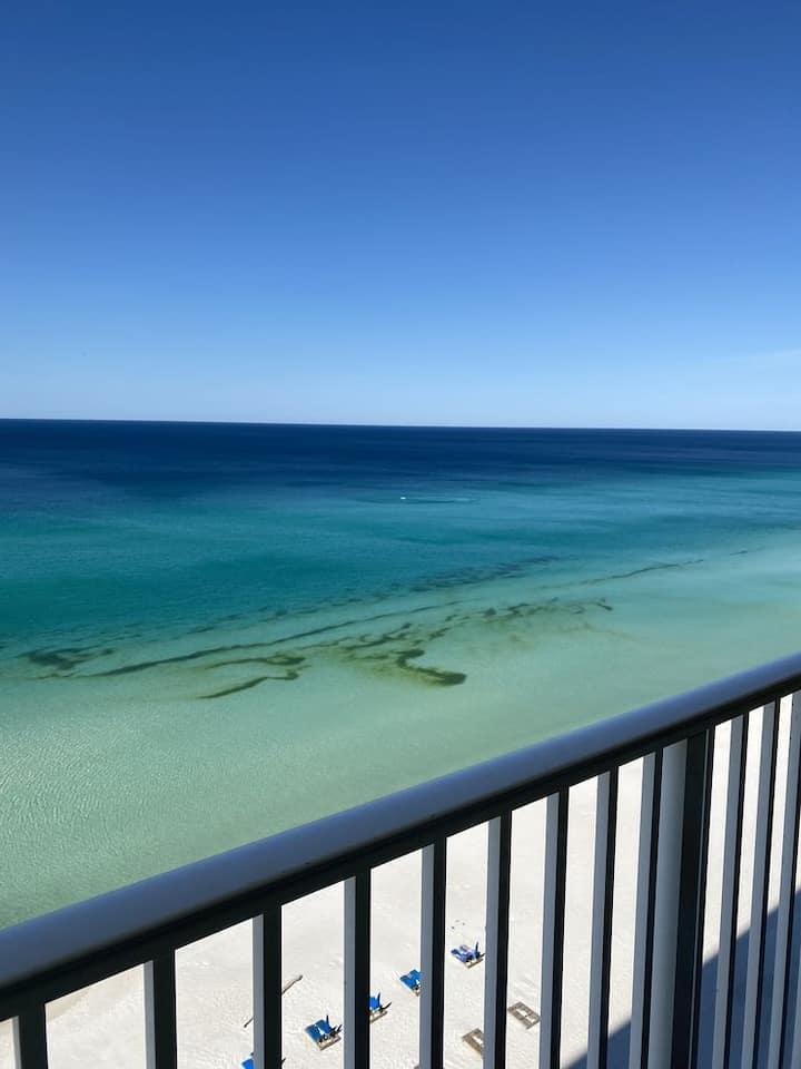 Ocean front 2 bdrm condo, great views, newly updat