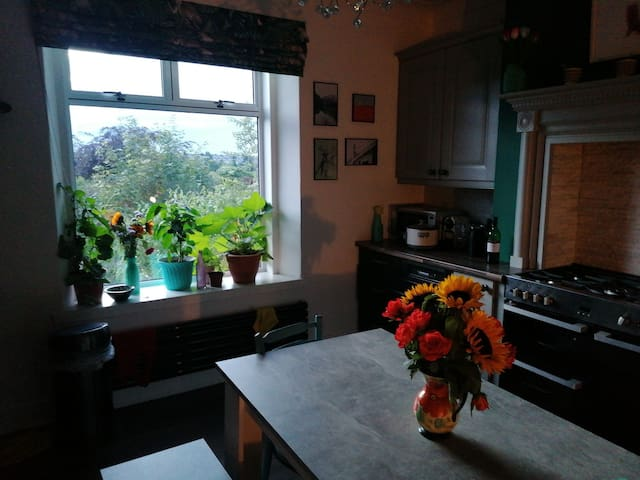 Gorgeous 3 bedroom house with Bbq area
