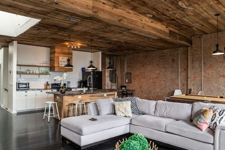 The Clover Penthouse - Livingston Lofts Tennessee