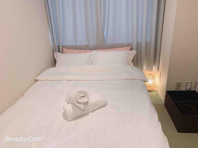 204位于上野秋葉原中心位置,温馨除菌房间,可寄存行李,附近大量餐厅购物出行方便,免费Wi-Fi!