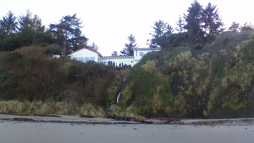 Summer Retreat at Lighthouse Beach - Coos Bay - Casa