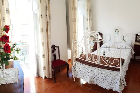 Double Room, shared bath, Parking - Alcobaça - Bed & Breakfast