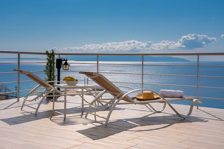 The Sun & The Moon Luxury Maisonette