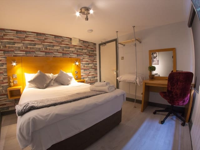 Double room-Comfort-Shared Bathroom