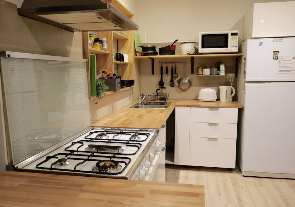 Chef's gas stove in a large kitchen in recently renovated kitchen (June 2018) with dishwasher to arrive very soon!
