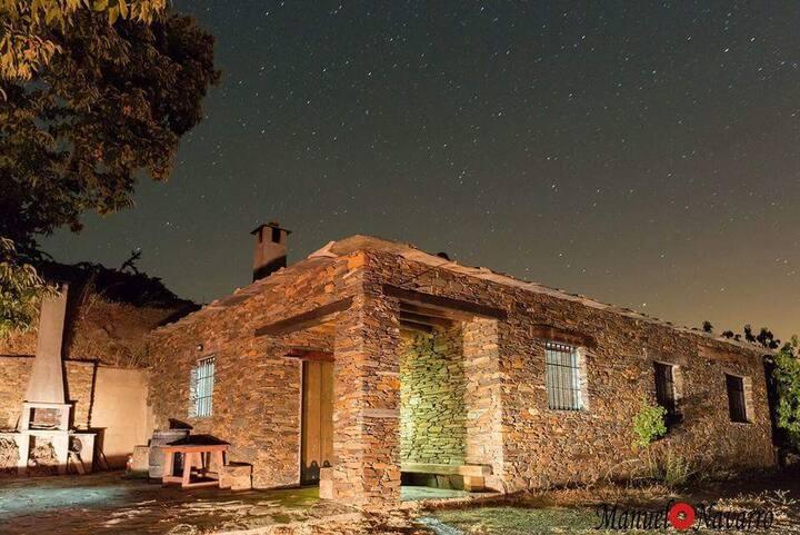 Casa y Finca Rural El Castañuelo