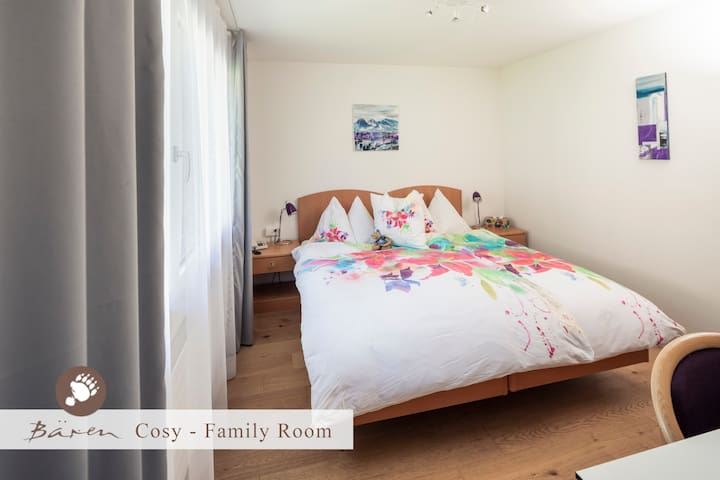 Cosy - Family room with breakfastbuffet