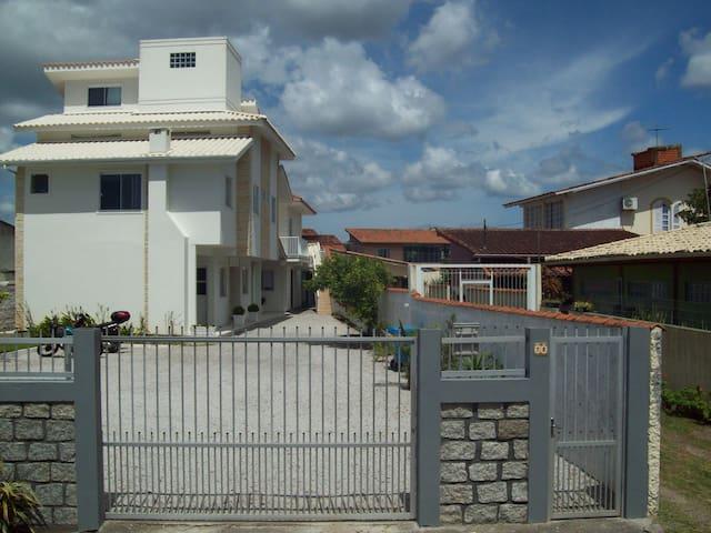 Apartamento Barra da Lagoa 8