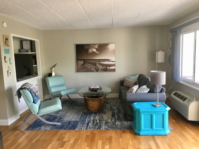 Spacious, in-town 2br w/parking - walk to it all!