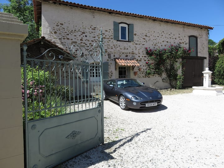 Peaceful farmhouse in the Haute Pyrenees