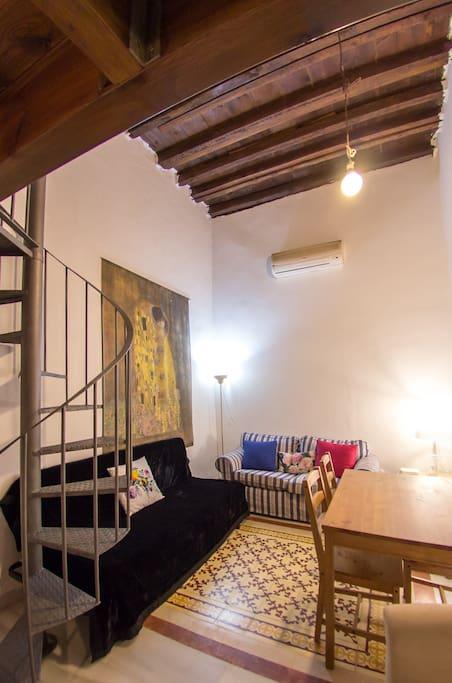 Loft duplex funcional con patio interior apartamentos en - Duplex en malaga ...