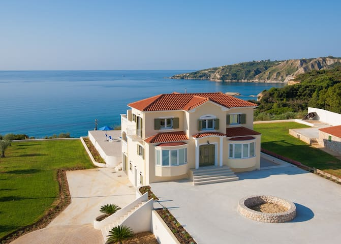 Large Private Villa with Pool, Stunning Views - Pesada - Villa