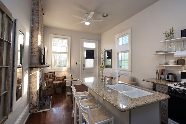 Bywater Guest Apartment at Crescent Park