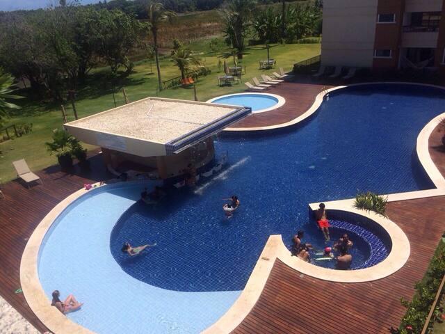 Lindo Flat 2/4 em Guarajuba - Camaçari - Apartmen
