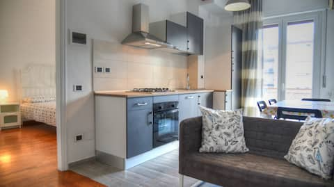 Three-room apartment in a strategic position