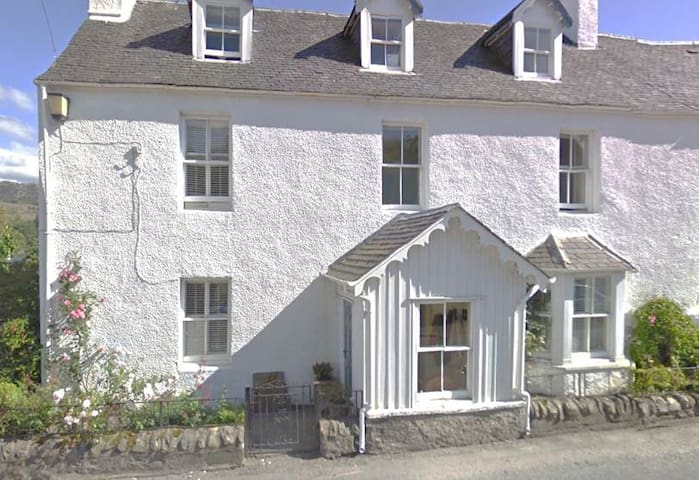 Plockton-a large self catering home - Plockton - House